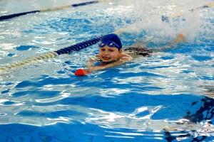 nauka pływania - jesień 2016 - żółwiki na fali (100)