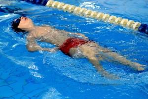 nauka pływania - jesień 2016 - żółwiki na fali (117)