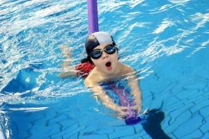 nauka pływania - jesień 2016 - żółwiki na fali (133)