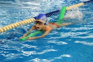 nauka pływania - jesień 2016 - żółwiki na fali (134)