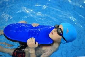 nauka pływania - jesień 2016 - żółwiki na fali (185)