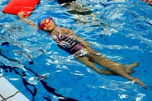 nauka pływania - jesień 2016 - żółwiki na fali (20)