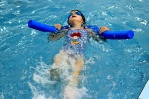 nauka pływania - jesień 2016 - żółwiki na fali (25)