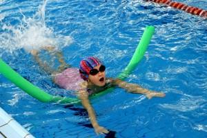 nauka pływania - jesień 2016 - żółwiki na fali (40)