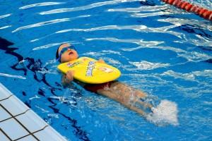 nauka pływania - jesień 2016 - żółwiki na fali (68)