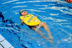 nauka pływania - jesień 2016 - żółwiki na fali (69)