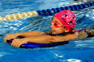 nauka pływania - jesień 2016 - żółwiki na fali (85)